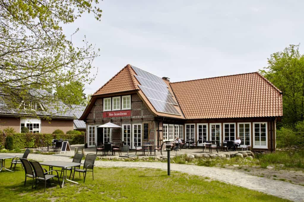 Heide-ErlebnisZentrum in Undeloh with photovoltaic system   Photo: Christian Burmester