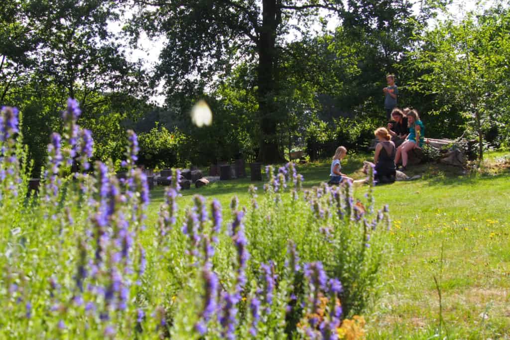 In the garden at the school farm Hillmershof | VNP Children's Academy
