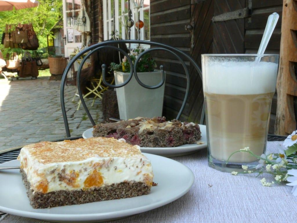 Home-baked cake specialities made from buckwheat flour | Photo: Christian Burmester