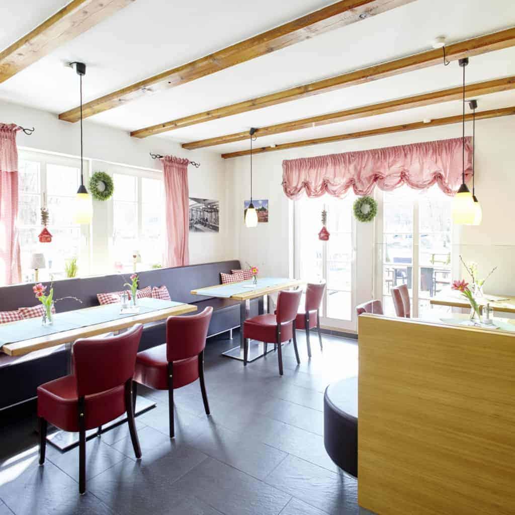Café in the Heide-ErlebnisZentrum in Undeloh | Photo: Christian Burmester