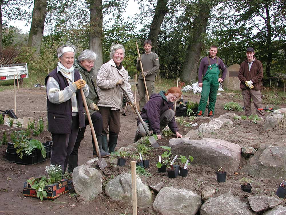 Planting of the herb, perennial and vegetable garden on the Emhoff in February 2005 with volunteer help