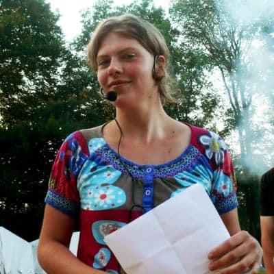 FÖJlerin Lotti war Moderatorin im Zeltlager