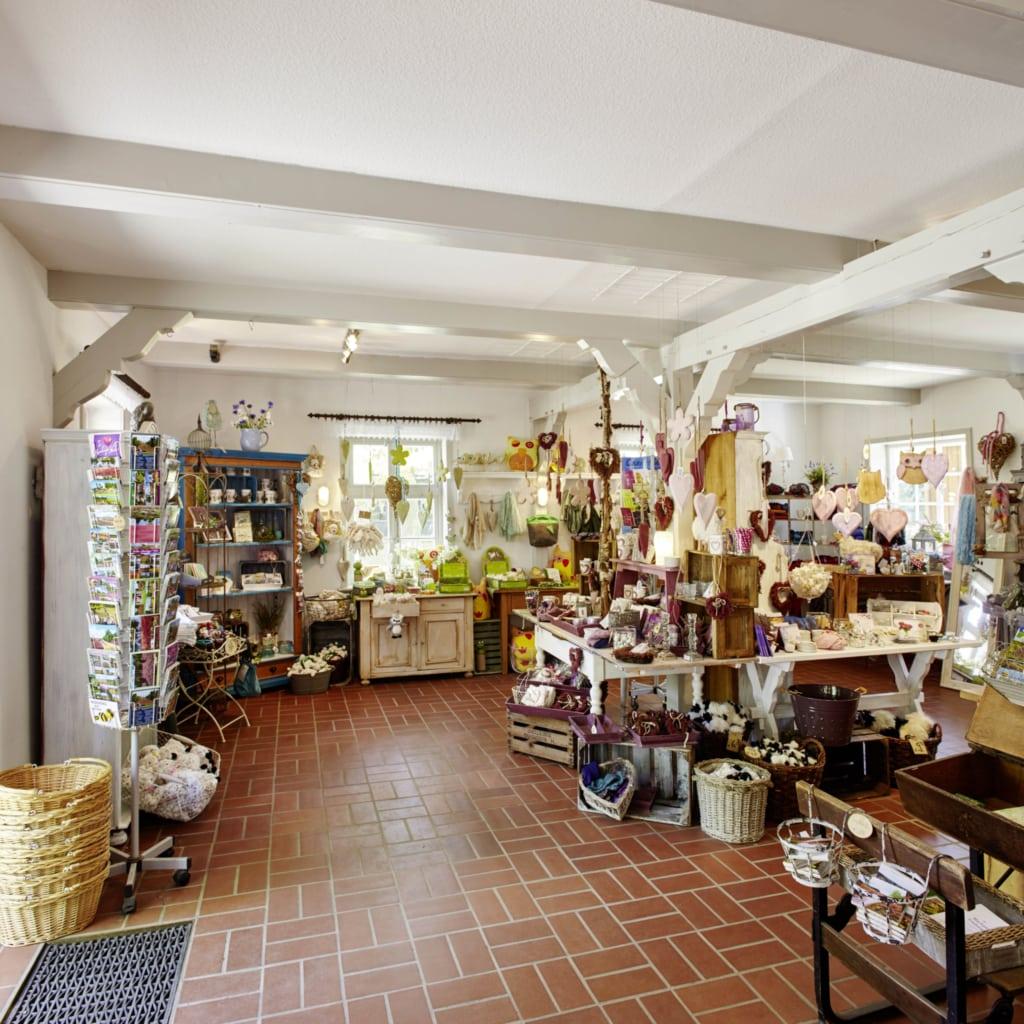 Geschenkideen, Mitbringsel und regionale Produkte im Museumsladen Wilsede   Foto: Christian Burmester