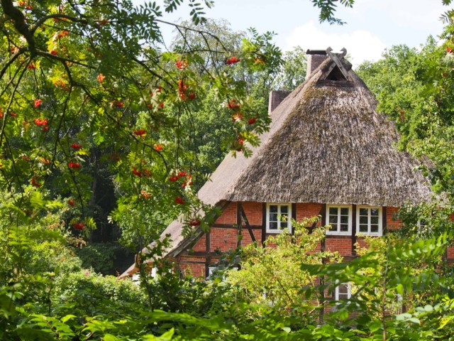 Giebelansicht Hauptgebäude Schulbauernhof Hillmershof | Foto: VNP Stiftung Naturschutzpark Lüneburger Heide