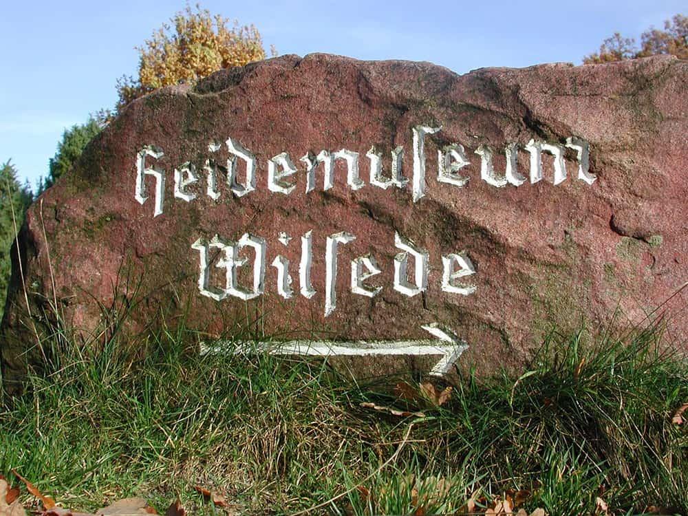 "Signpost stone ""Heidemuseum Wilsede"""
